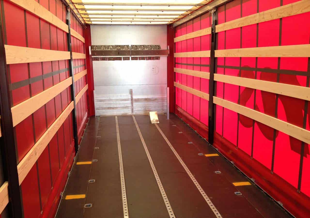 45ft-Wechselbehälter für Papierrollen mit Ladungssicherungsschienen und Steckrungen